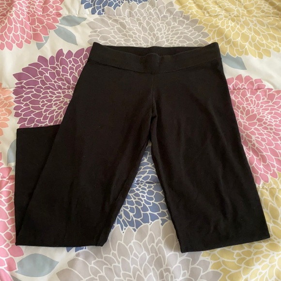 $1 WHEN YOU BUNDLE WITH ANY OTHER ITEM(S) Leggings